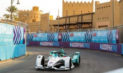 """السعودية تستضيف منافسات سباق """"فورمولا إي"""""""