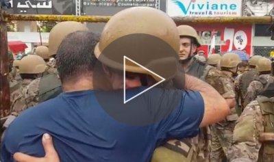 بالفيديو: دموع الثوار والجيش