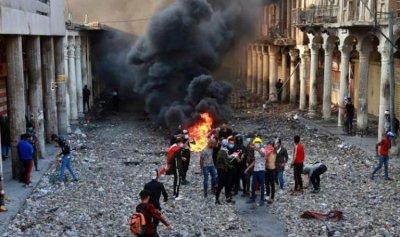 ثوار العراق يقطعون طرقا عدة في النجف
