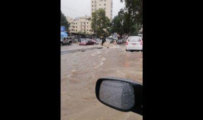 بالصور: الأمطار تُغرق طرقات الشفروليه