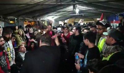 توافد الثوار إلى ساحة حلبا