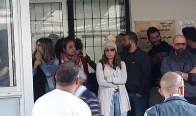 اعتصام امام مصلحة تسجيل السيارات في جونية