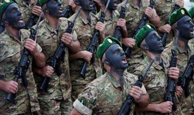 بريطانيا تؤكد لعون استمرار دعمها للجيش
