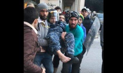 """بالفيديو: جريحان لقوى الأمن إثر اعتداء عناصر حزب الله و""""أمل"""" في بيروت"""
