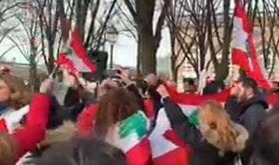 بالفيديو ـ مغتربو لبنان في باريس: لا لتمويل السلطة