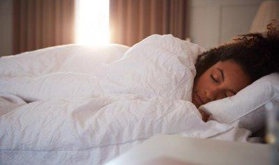 احذروا الآثار الخطيرة للنوم الطويل