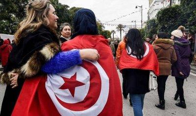 """تونسيات ينشدن """"المغتصب هو أنت"""""""
