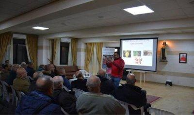 محاضرة في حصرون لدعم المزارعين