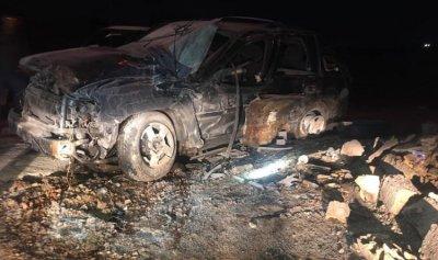 بالصور: اصطدمت سيارته بمحطة وقود في كفردبش
