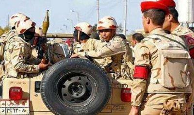 إصابة 15 عسكرياً بهجوم إرهابي في مصر
