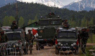 الهند تحشد تعزيزات في كشمير وتعد بمحاسبة باكستان