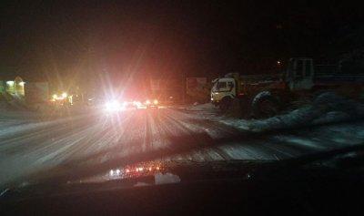 8 سيارات علقت اثر تراكم الثلوج في كسروان