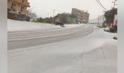 بالفيديو: البرد يفترش طريق فيطرون