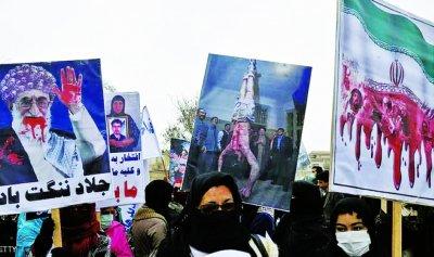 الإيرانيون یطلقون حملة التبرعات لقناة المعارضة التلفزيونية لتغطية ثورة إيران