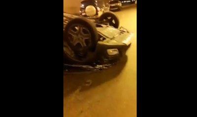 بالفيديو: انقلاب سيارة في بيروت
