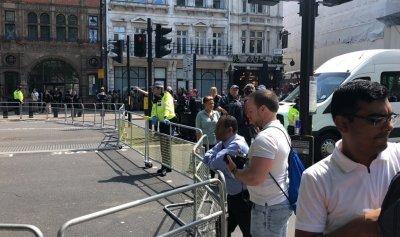 بالصور: جسم مشبوه قرب مكتب ماي والشرطة تغلق الشوارع