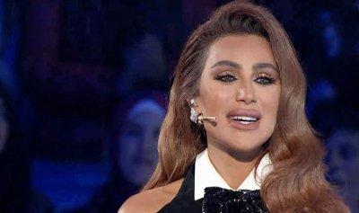 بالصور والفيديو: مايا دياب تفاجئ جمهورها