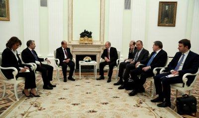عون يدعو بوتين الى بيروت