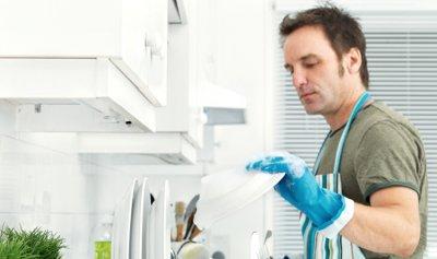 الأعمال المنزلية تنشط الدماغ عند الشباب!