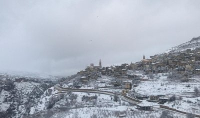 بياض الثلج يكّلل جبال عكار
