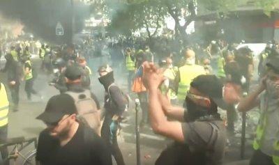 """لهيب غضب """"السترات الصفراء"""" يختلط بحريق نوتردام"""