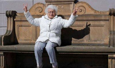 تخوض الانتخابات وعمرها 100 عام