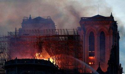 الشرطة الفرنسية تكشف سبب حريق نوتردام