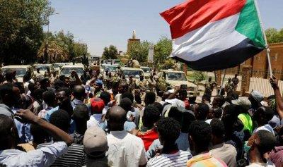 """تجمع المهنيين السودانيين يكشف """"قائمة مطالب"""""""