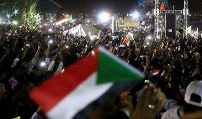 قادة احتجاجات السودان مدعوون لبحث مطالبهم