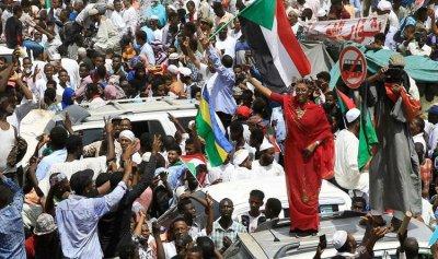 """المجلس العسكري يجدد تأييده """"للشخصية المدنية"""" في السودان"""