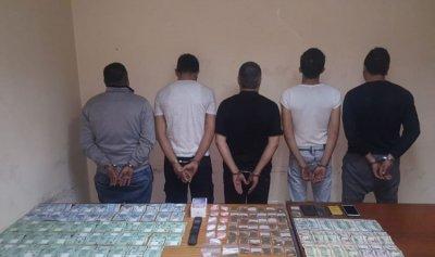 مروج مخدرات وزبائنه بقبضة المعلومات في برج حمود