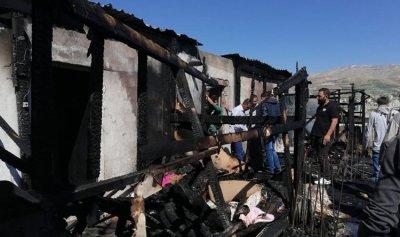 وفاة رضيع إثر حريق بخيم النازحين في الفرزل
