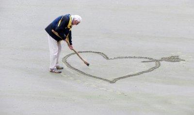 بالصور: وفاة الزوج الأقدم في العالم!