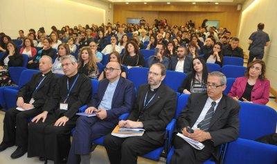 مؤتمر مشترك بين جامعتي الروح القدس والحكمة
