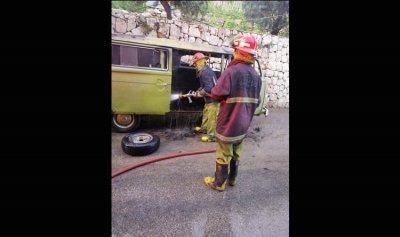 حريق داخل ڤان في حارة صخر