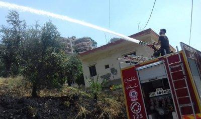 اخماد حريق في كروم العرب