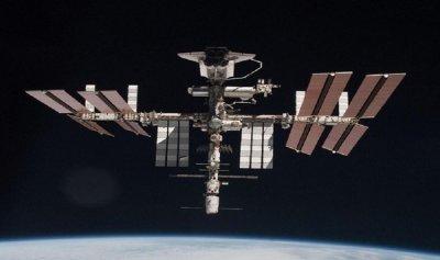 صور خيالية من محطة الفضاء