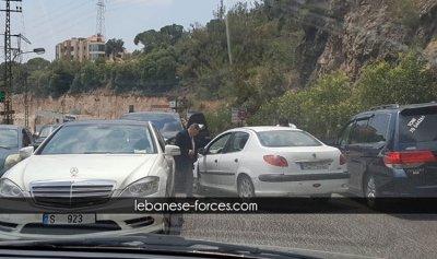 بالصور: حادث سير على أوتوستراد بلونة – سهيلة