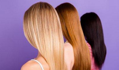4 أساليب لتمليس الشعر من دون حرارة الأدوات الكهربائيّة