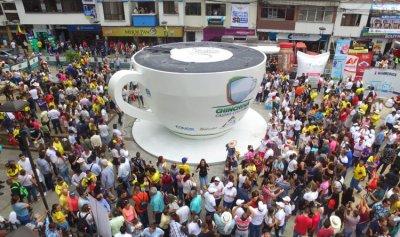 بالصور: اكبر فنجان قهوة في العالم