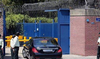 إيران تستدعي سفير بريطانيا