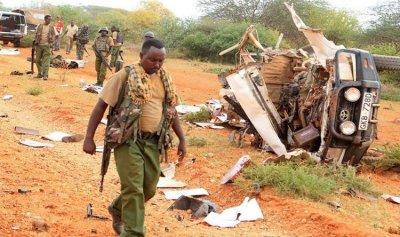 مقتل 10 ضباط بتفجير على الحدود الكينية – الصومالية