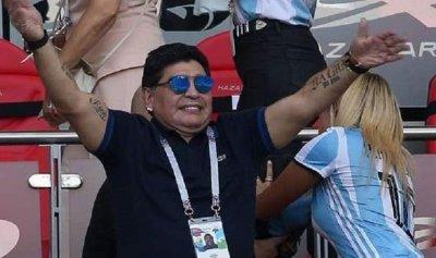 بالفيديو: مارادونا يخرج عن صمته