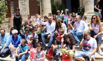 رامي عيّاش يتبرّع بجزء من أجره لتعليم أطفال