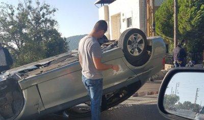 جريح في لحفد وانقلاب سيارة في راس اسطا