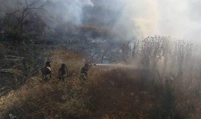 بالصور: إخماد حريق في بنت جبيل
