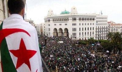 ارتفاع عدد الراغبين بالترشح للرئاسة الجزائرية