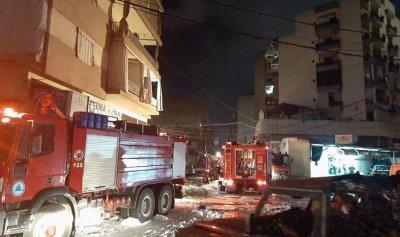 بالصور: حريق داخل مستودع في سد البوشرية