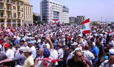 تجمع العسكريين المتقاعدين دعا الى تحقيق مطالبهم