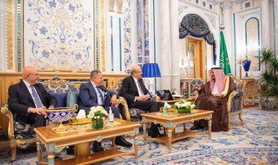 الملك سلمان: ما يمس أهل السنة في لبنان يمسنا في المملكة